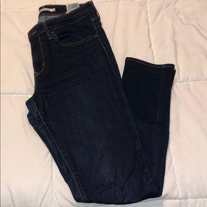 Levi high waisted skinny jean